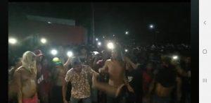 Cenas fortes: Populares invadem delegacia, esquartejam e queimam corpo de estuprador de menina de 10 anos 4